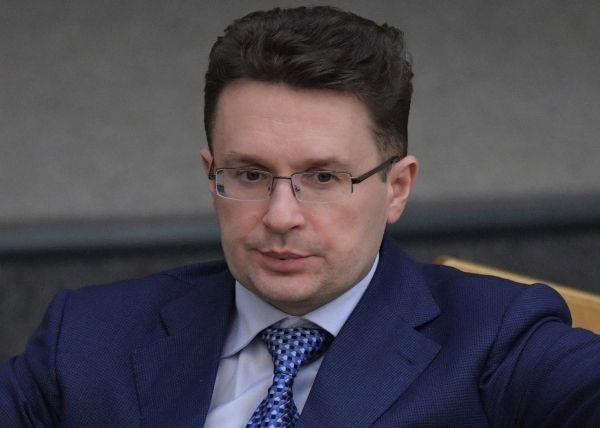 Общество: Депутат-коммунист из Госдумы планирует продать дом в Великобритании