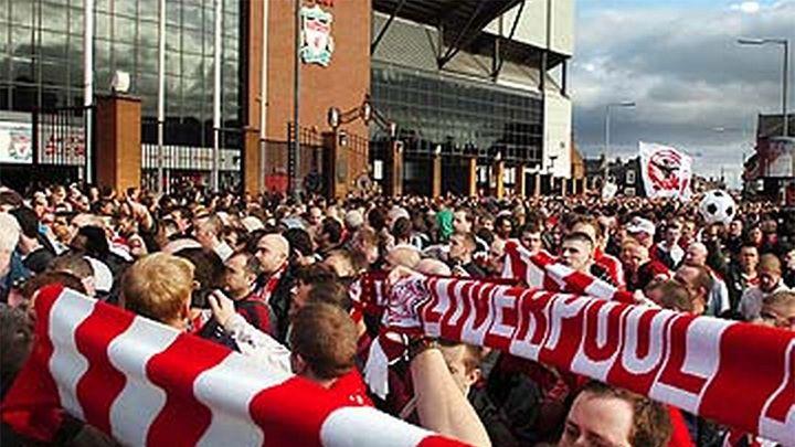 Общество: Англия критикует американских владельцев футбольных клубов