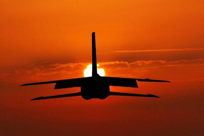 Общество: На Украину прибыли три транспортных самолета США, Великобритании и Канады