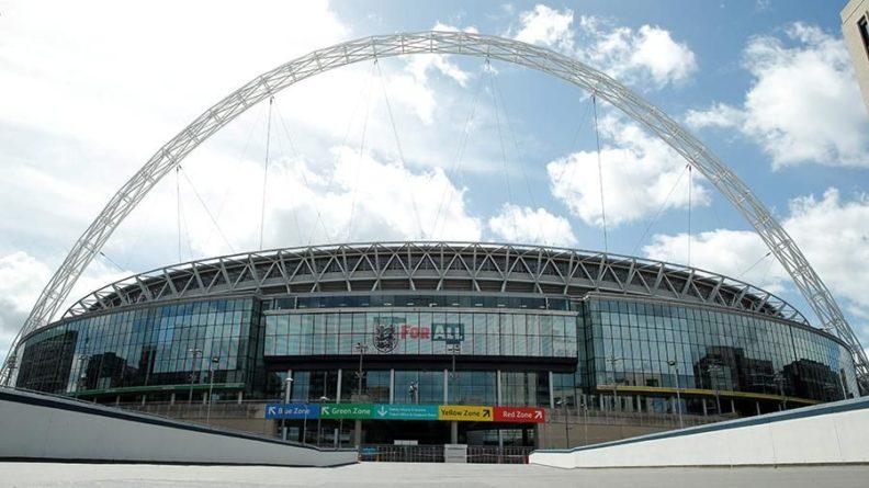 Общество: УЕФА перенес матч 1/8 финала ЧЕ по футболу из Дублина в Лондон