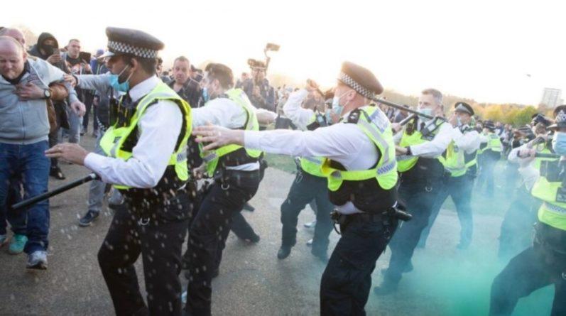 Общество: В Лондоне произошли столкновения на акциях протеста из-за карантина