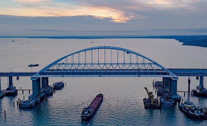 Общество: Читатели лондонской Times о своем флоте на Черноморье: «После Солсбери все наши шаги должны быть в наказание русским»