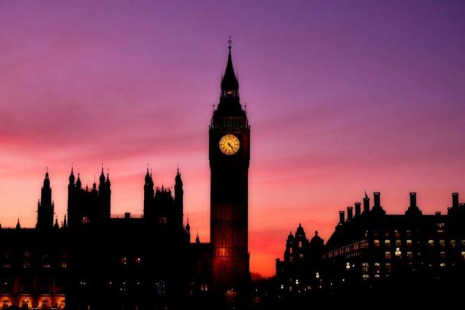Общество: Великобритания ввела новые санкции в отношении России