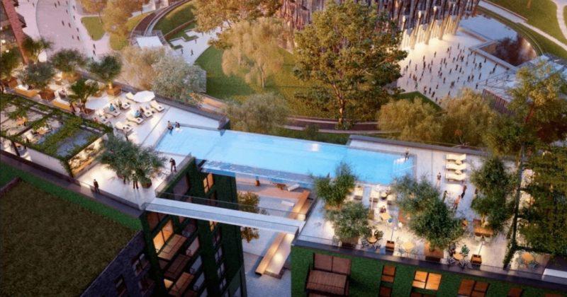 Общество: В Великобритании открыли прозрачный бассейн на высоте 35 метров между зданиями (фото)