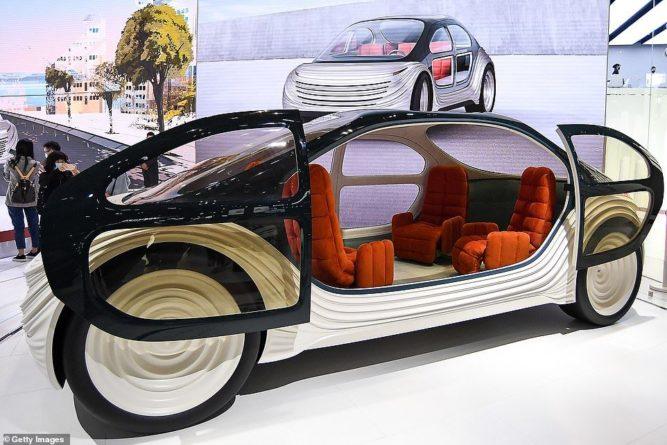 """Общество: В Британии придумали электромобиль будущего - салон превращается в """"кухню"""": фото и видео"""