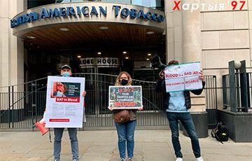 Общество: Белорусы Лондона провели акцию у головного офиса British American Tobacco