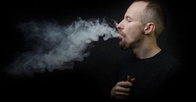 Общество: Курильщикам в Великобритании будут раздавать е-сигареты в отделениях экстренной помощи