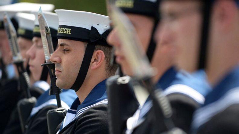 Общество: В СМИ рассказали, зачем Лондон на самом деле отправил авианосец в Черное море