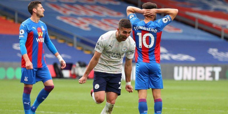 Общество: Английская Премьер-лига. Манчестер Сити вплотную подобрался к чемпионству, Челси приблизился к третьему месту — видео