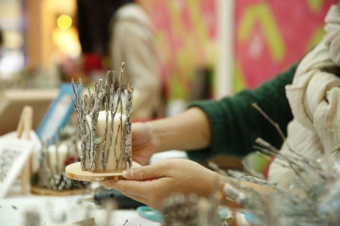 Общество: Британка решила зарабатывать изготовлением свечей в форме фаллоса