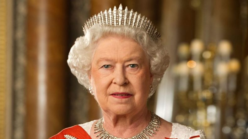Общество: В Англии посчитали состояние королевы Елизаветы II