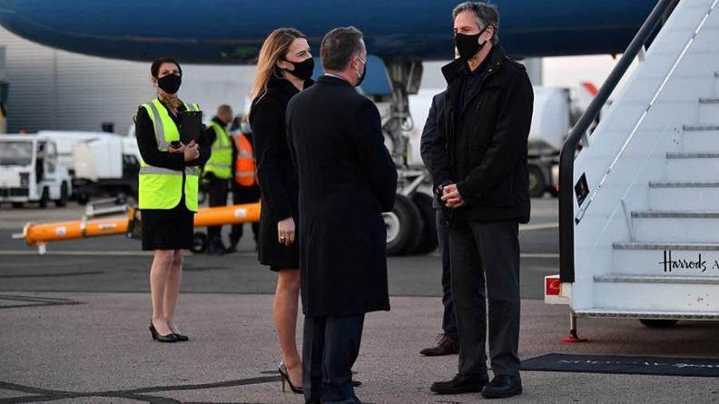 Общество: Блинкен прибыл в Лондон для участия в министерском саммите G7