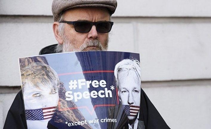 Общество: Daily Express: русский, выросший в СССР, критикует культуру политкорректности в Британии