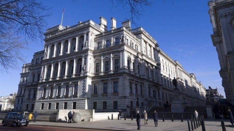 Общество: В МИД Британии заявили о возможном улучшении отношений с РФ