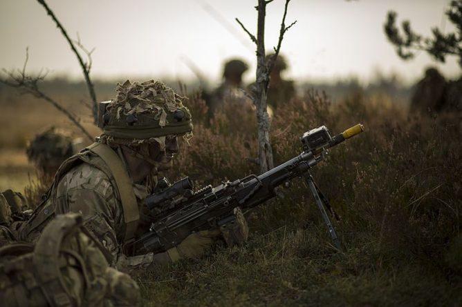 Общество: В армии Великобритании провели испытания реактивного ранца (ВИДЕО) и мира