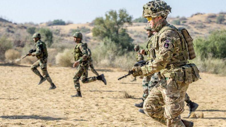 Общество: Британцы назвали концепцию летучих десантников дорогой и бесполезной против АК-47