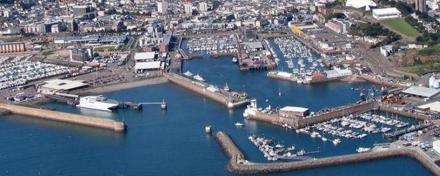 Общество: Британия направит два корабля к острову Джерси на фоне угроз Франции