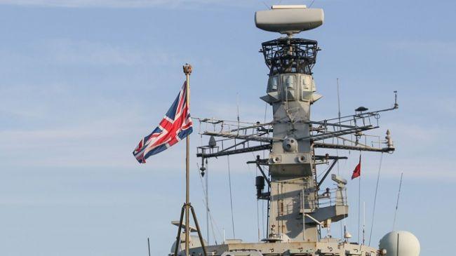 Общество: Британия направит в Ла-Манш патрульные корабли после обострения конфликта с Францией