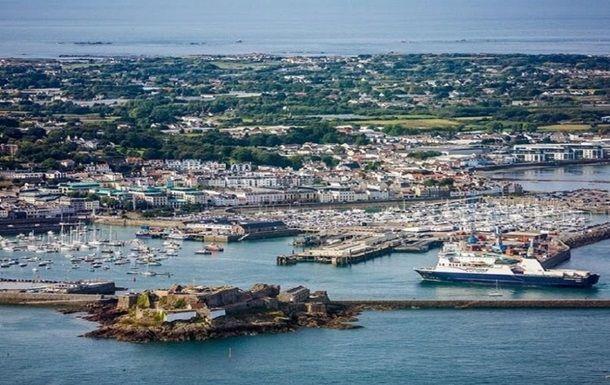 Общество: Франция вслед за Британией отправила корабли в Ла-Манш