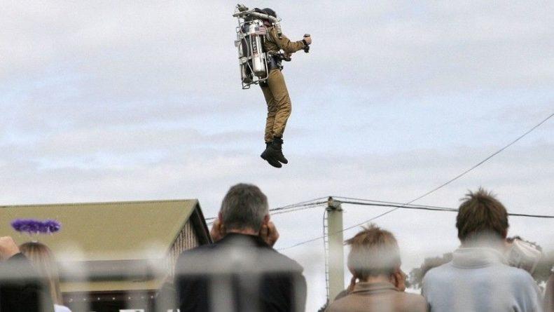 """Общество: Эксперт назвал бесполезным """"джетпак"""" спецназа Великобритании в реальном бою"""