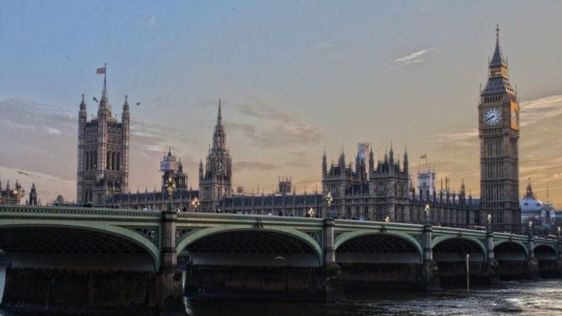 Общество: Послы стран СНГ и жители Лондона почтили память погибших советских воинов