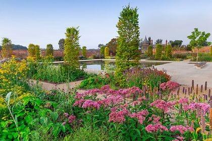 Общество: Великобритания открыла крупнейший королевский сад Европы