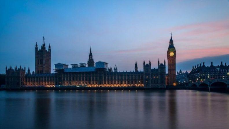 """Общество: Захарова ответила Лондону после призывов к санкциям против """"СП-2"""""""