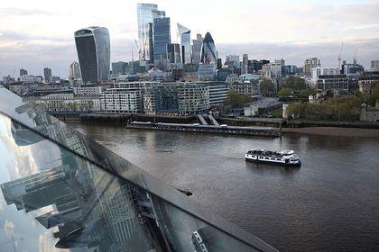 Общество: Великобритании предрекли судьбу увядшей империи с огромным долгом