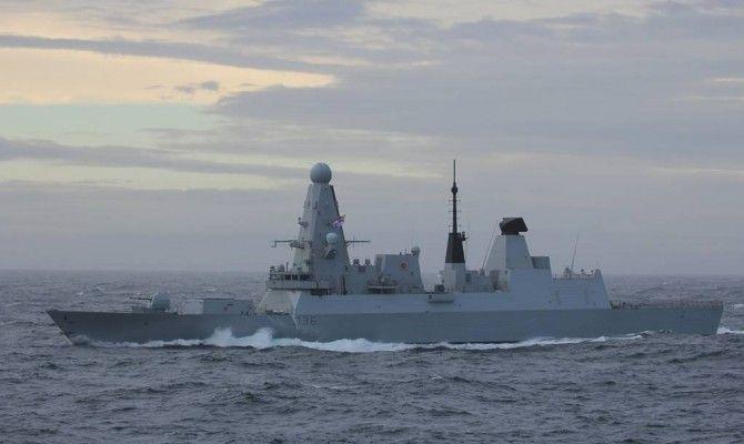 Общество: МИД РФ заявит демарш послу Великобритании из-за инцидента с эсминцем