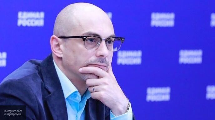 Общество: Гаспарян объяснил, как РФ могла бы проучить Британию за инцидент в Черном море