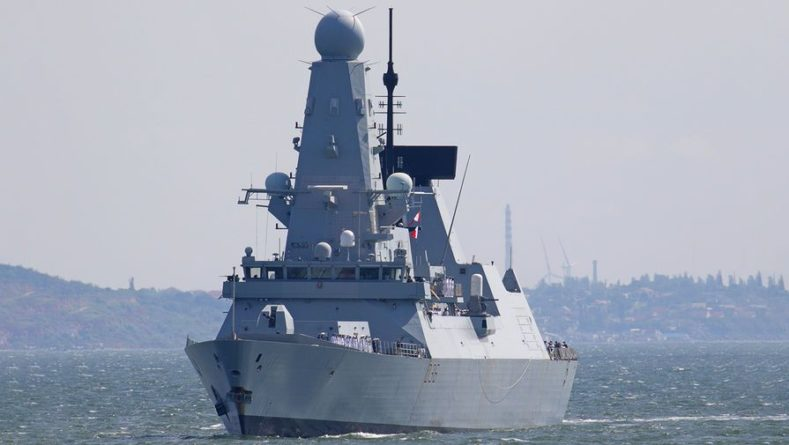 Общество: МИД Британии раскритиковал российскую версию инцидента с эсминцем