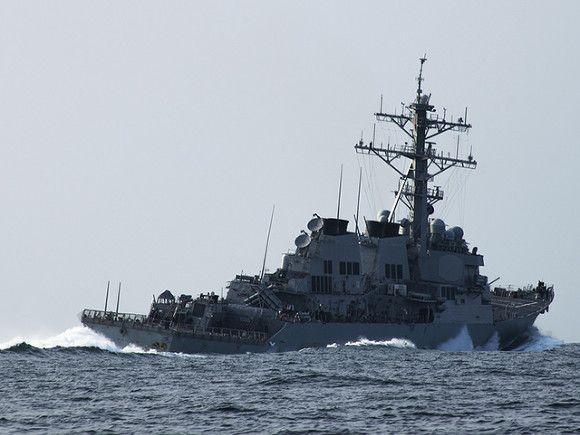 Общество: Британия назвала «неточной» версию России об инциденте с эсминцем