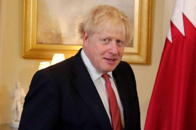 Общество: Джонсон не считает, что Великобритания лжет о деталях инцидента с эсминцем