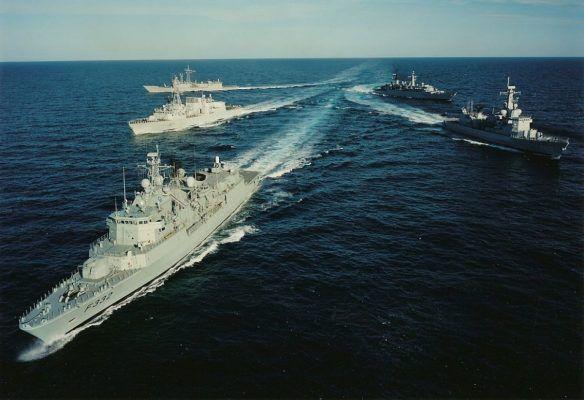 Общество: В Китае неожиданно отреагировали на провокацию Великобритании в Черном море