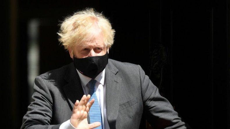 Общество: Джонсон высказался о ситуации с британским эсминцем в Чёрном море