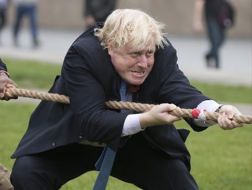 Общество: Лондон заявил, что эсминец британских ВМС находился у берега Крыма на законных основаниях и это, похоже - casus belli