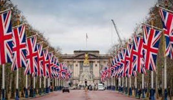 Общество: Лондон после Brexit смог укрепить свои позиции центра торгов валютой и бондами EM