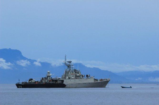Общество: Telegraph: Решение о проходе эсминца Defender вблизи Крыма принял Джонсон