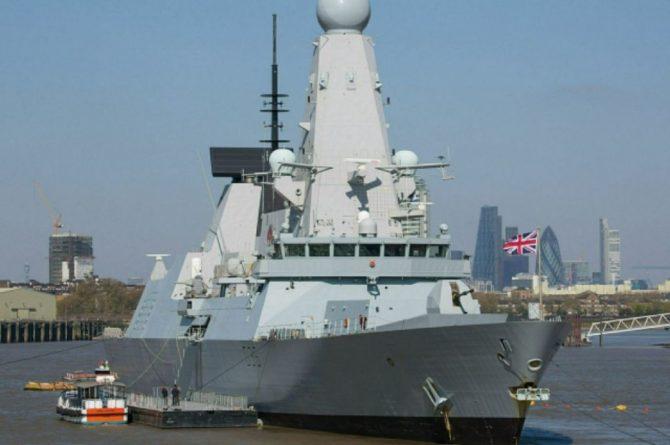 Общество: Рябков обвинил США и Великобританию в попытках исказить ситуацию с эсминцем
