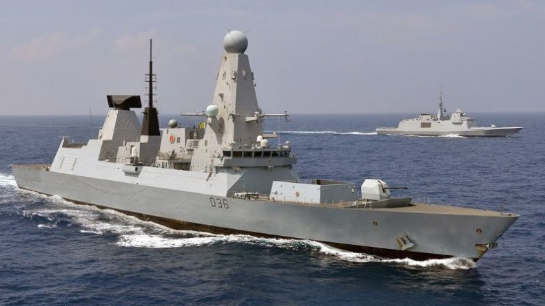 Общество: Жители Франции возмутились появлением эсминца ВМС Британии Defender вблизи Крыма