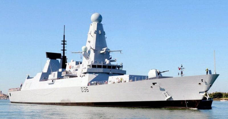 Общество: Джонсон прокомментировал инцидент с эсминцем в Черном море