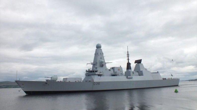 Общество: Начальник Генштаба Британии признал риск эскалации из-за случая с Defender