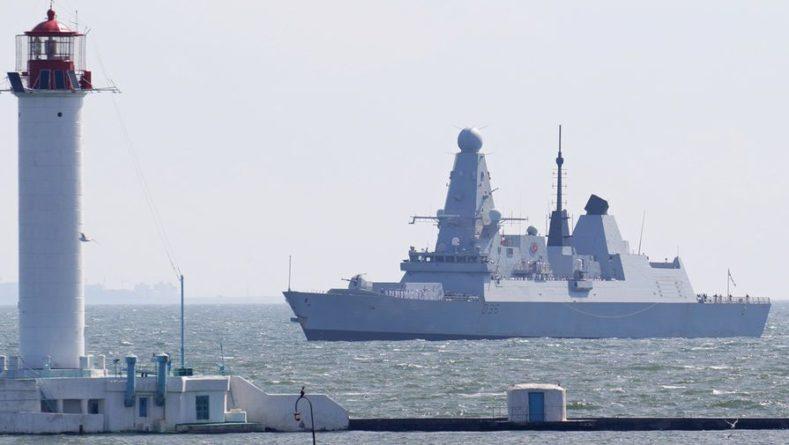 Общество: Посол России предостерег Лондон от повторных провокаций после инцидента с эсминцем