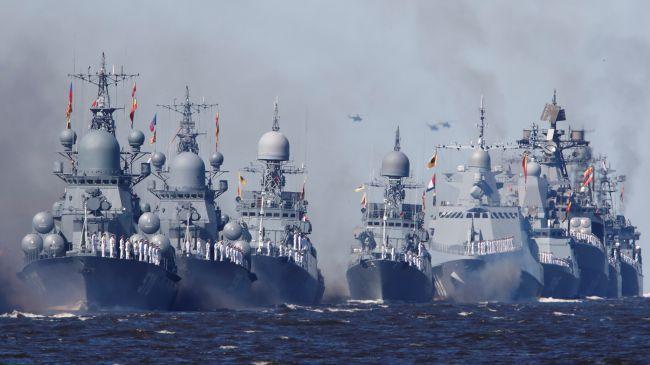 Общество: ВМФ России проведет учения рядом с авианосной группой Великобритании