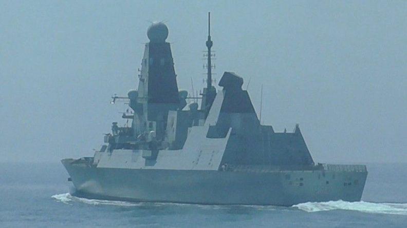 Общество: «Вы угрожаете нам?» — зачем британцы устроили провокацию в Черном море