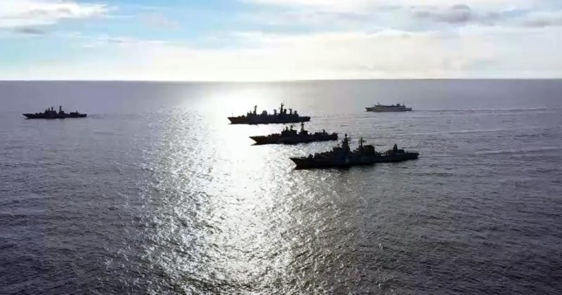 Общество: Корабли ВМФ России проведут стрельбы вблизи авианосца Британии