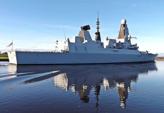 Общество: Глава генштаба Британии признал, что инцидент с эсминцем мог привести к полномасштабной войне с Россией