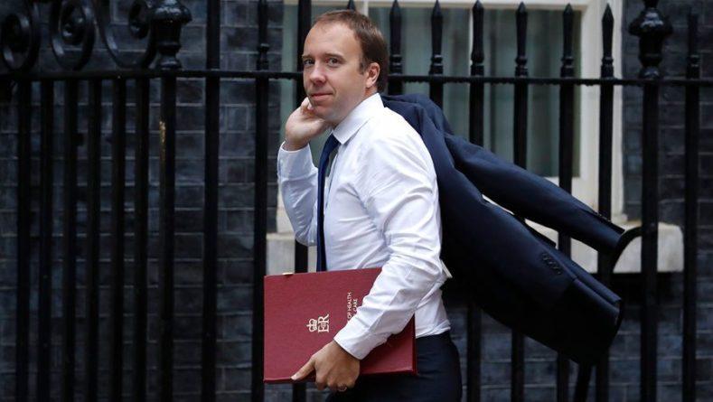 Общество: Министр здравоохранения Британии уходит в отставку на фоне скандала