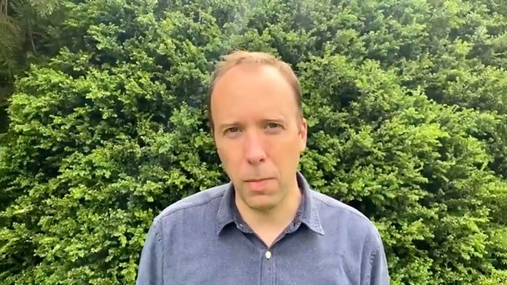 Общество: Видео из Сети. Министр здравоохранения Великобритании уходит из-за скандала