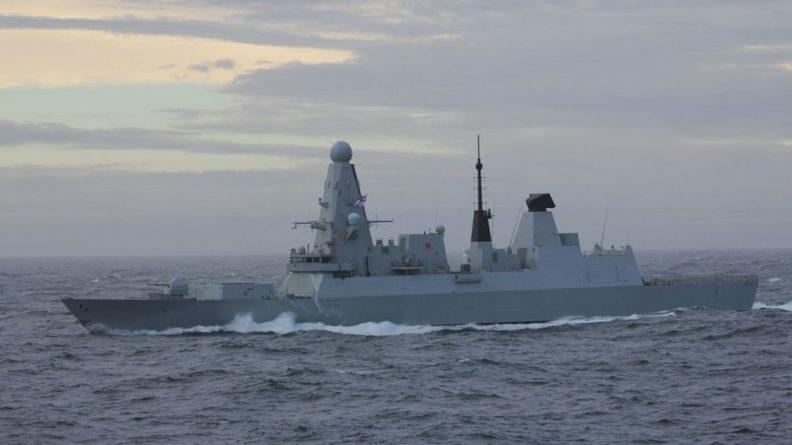 Общество: В Британии рассекретили документы о провокациях эсминца Defender в Черном море